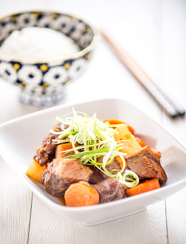 Chinese Daikon, Carrot and Tomato Beef Stew