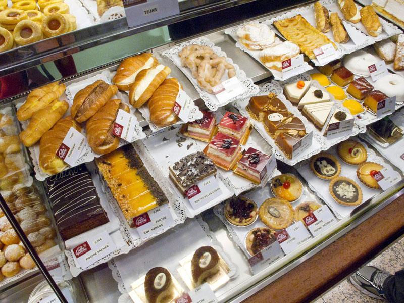 mercado de san miguel madrid pastry