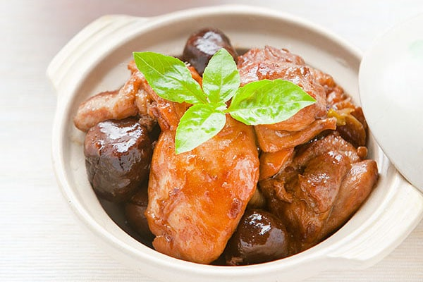 Braised-Chinese-Chestnut-Chicken