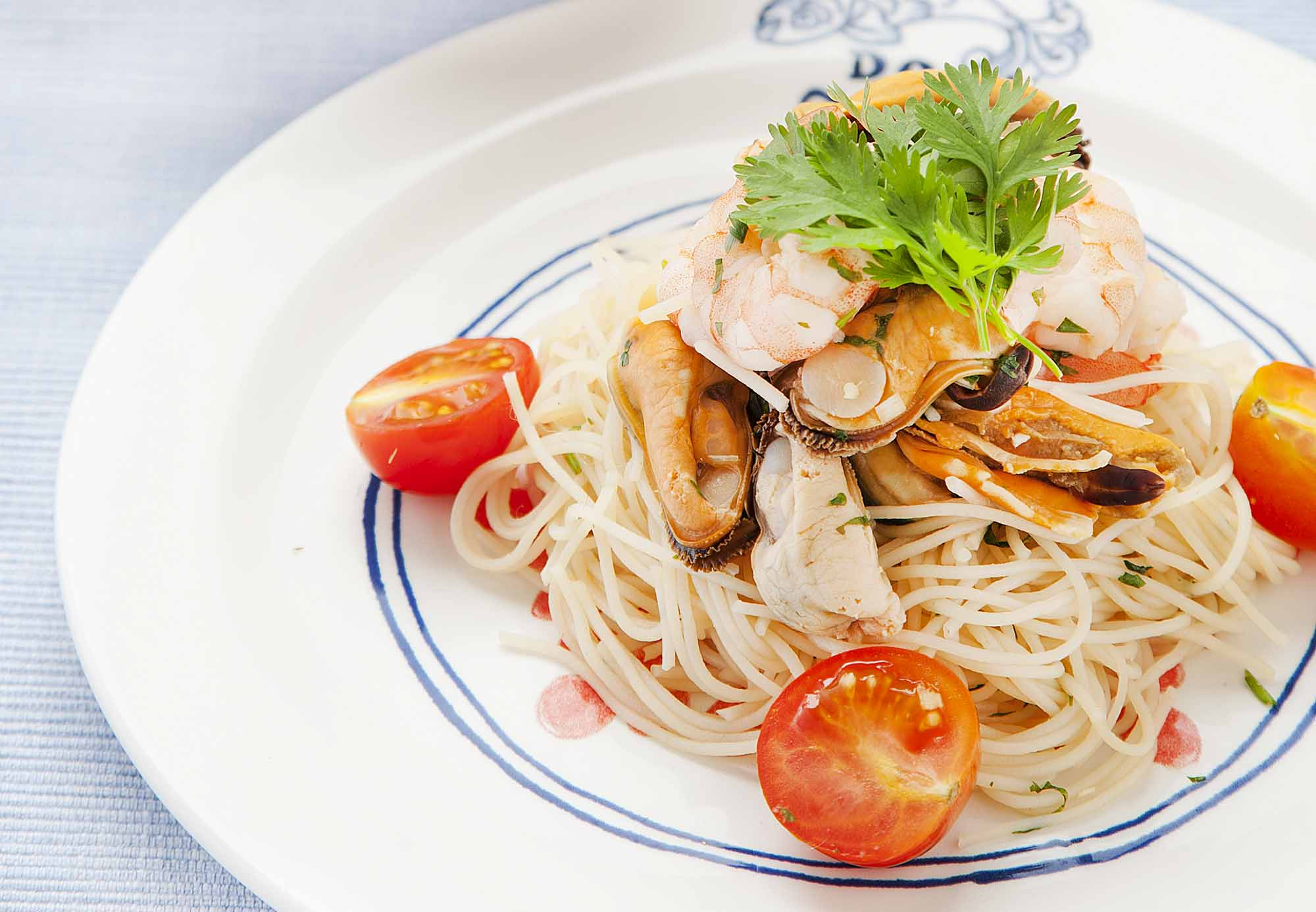 thai rice noodle seafood salad