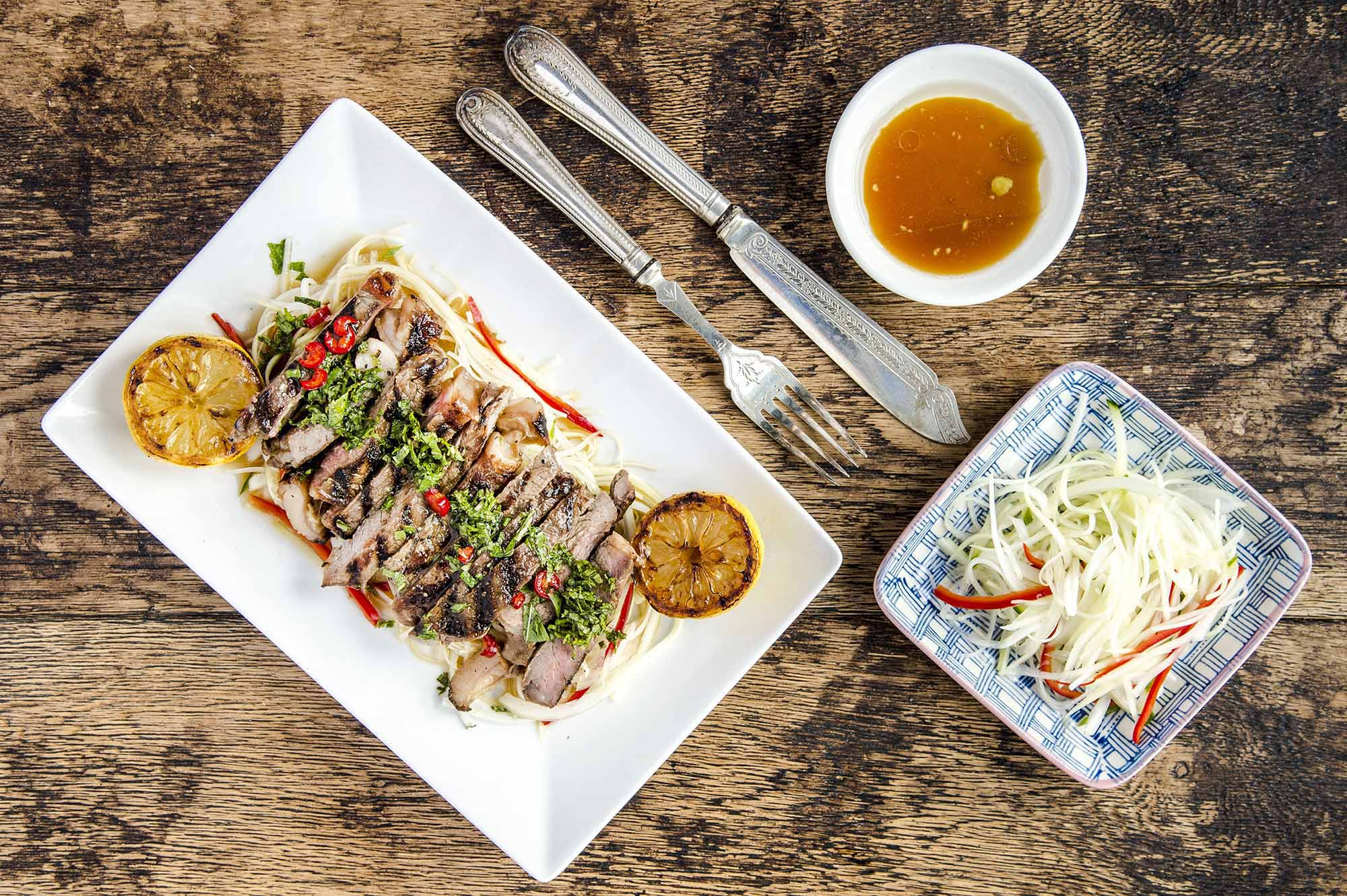 green papaya sirloin salad